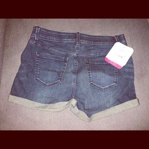 Brand new maternity jean shorts size 2